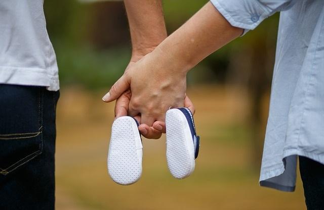 Para oczekująca dziecko