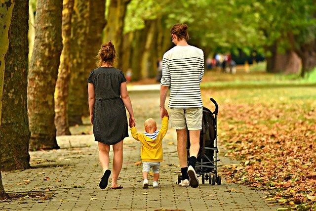 spacer z dzieckiem - co spakować
